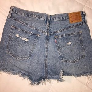 LEVI shorts **NEVER WORN**